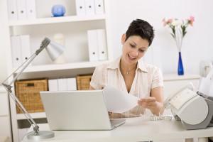 Księgowość firmy – z biurem czy na własną rękę?