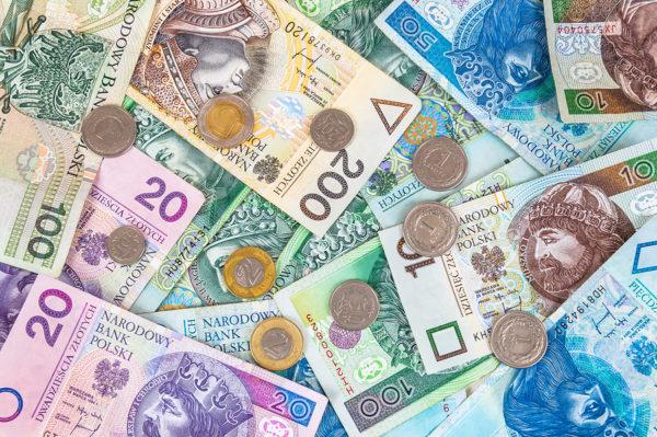 Zarobki Polaków – dwie trzecie pracowników poniżej średniej krajowej