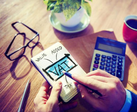 Czy warto zostać podatnikiem VAT?
